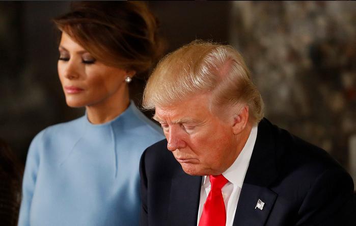 El presidente Trump ora con 700 pastores para que Dios bendiga a Estados Unidos durante la crisis del coronavirus