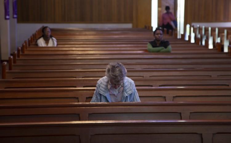 Empresario pagará multa a iglesias cristianas que infringieron restricciones