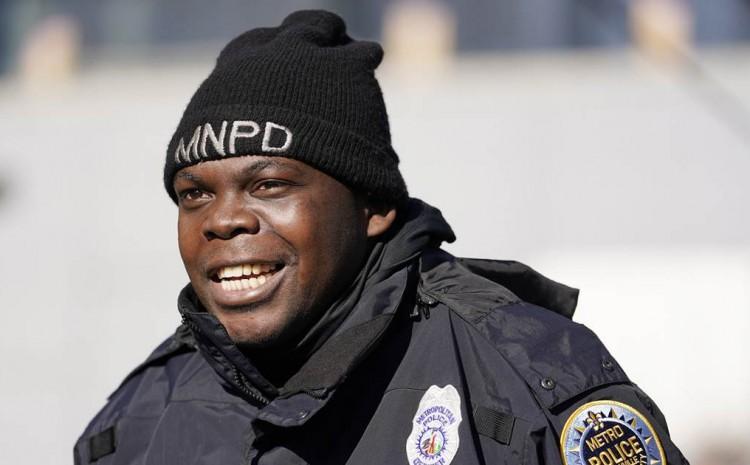 Heroico policía de Nashville dice que la voz de Dios salvó su vida de una bomba masiva