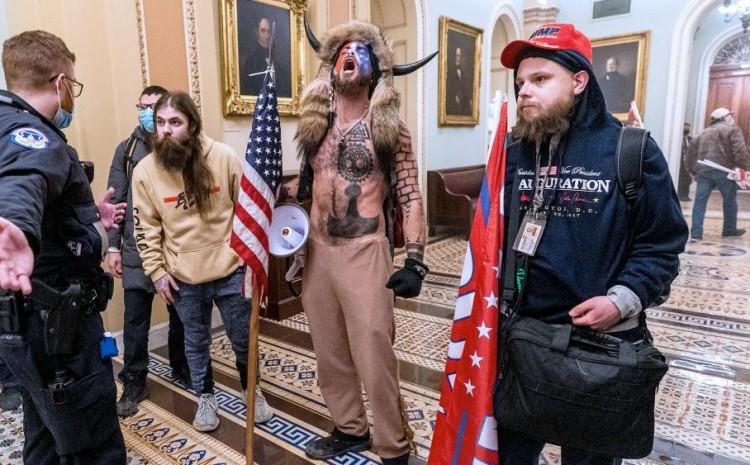 Asesores de fe de Trump condenaron la violencia en el Capitolio: 'Eso no es Jesús'