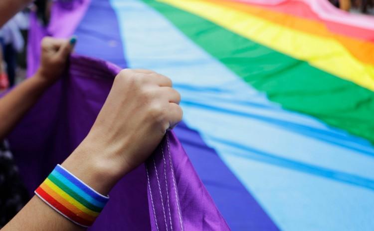 Arkansas, primer estado de EU que prohíbe cirugías y tratamientos transgénero en menores