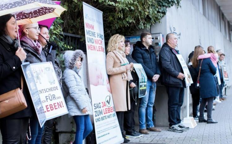 Corte alemana ratifica la prohibición de las oraciones cerca del centro de aborto