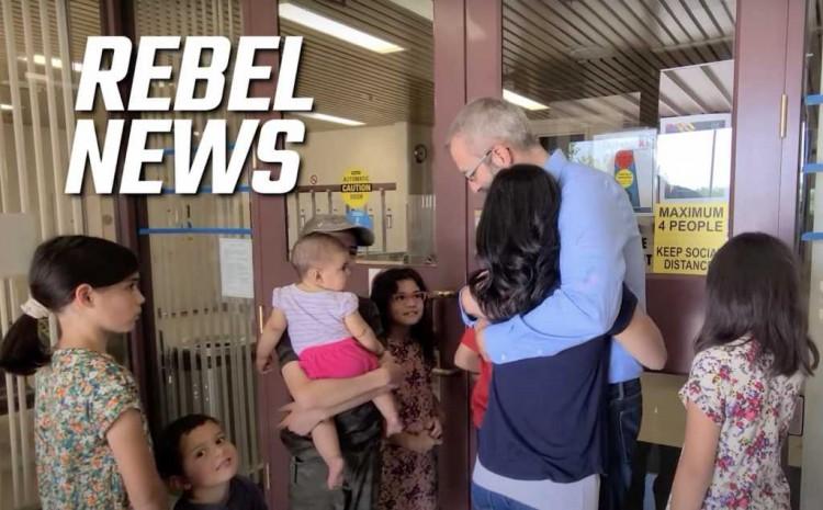 El pastor canadiense encarcelado Tim Stephens liberado después de recibir atención internacional