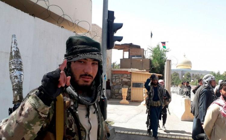 Cristianos en Afganistán temen la imposición de la ley islámica